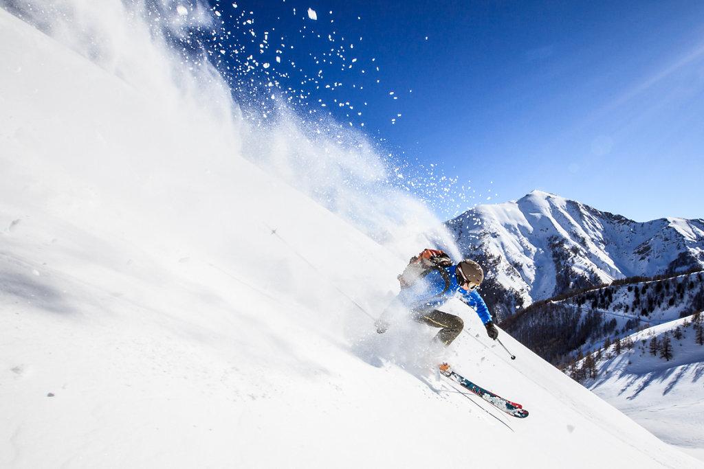 Freeride in Pra Loup ski resort. Freeride dans la station de Pra Loup.